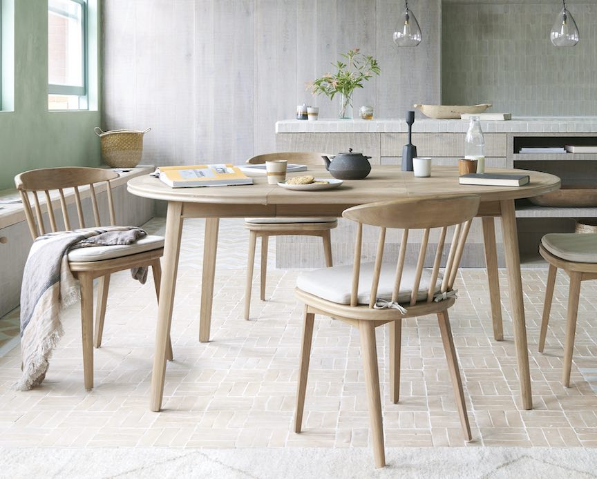 round extending dining table